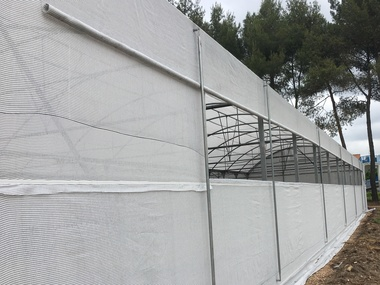 Reparación umbráculo techo curvo malla sombreo y motorización ventanas en Madrid