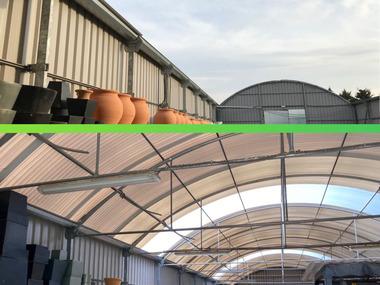 Reparación de invernadero multitunel con ventilación cenital (nave)
